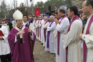 """El arzobispo de Pamplona llama a los empresarios a """"ser generadores de puestos de trabajo"""""""