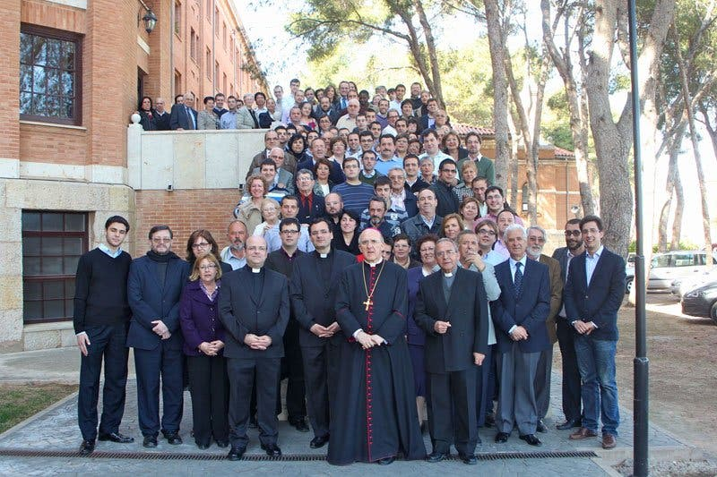 Osoro se reúne con los padres de los seminaristas valencianos