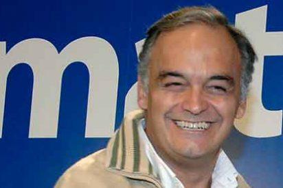 Esteban González Pons, 'tirado' por el coche, «arropado» por la Red