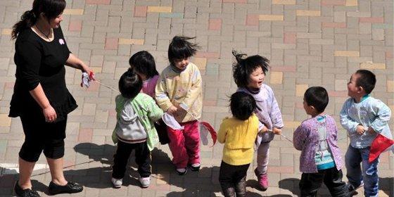 China teme una feminización en la educación por falta de hombres