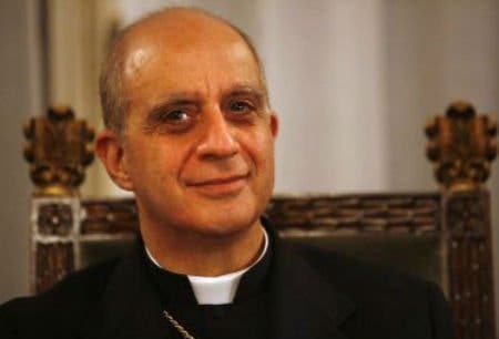 """Fisichella dice en Sevilla que mucha gente no va a misa """"a causa de nuestra predicación"""""""