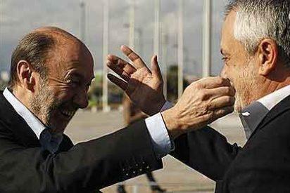 Griñán imita a Rubalcaba y acentúa sus críticas contra los obispos