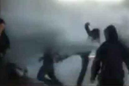 El vídeo de la brutal agresión de los vándalos a un trabajador catalán