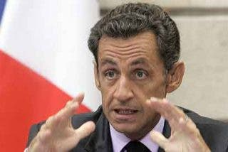 "Sarkozy llama ""imbécil"" a un periodista durante un acto oficial"