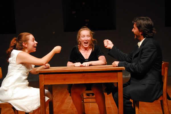 'Storia di una Famiglia': Teatro infantil con mucha acidez adulta