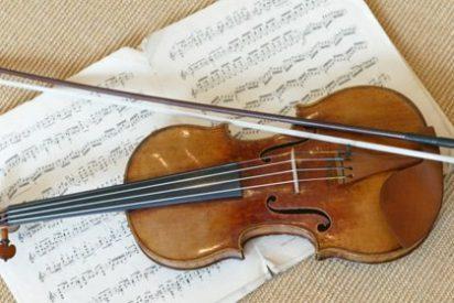 Arañas de seda de oro para fabricar cuerdas de violín más resistentes