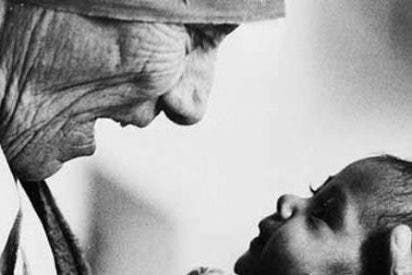"""El arzobispo de Toledo inaugura la exposición """"Vida y Espiritualidad de la Madre Teresa de Calcuta"""""""