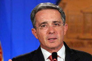 """Álvaro Uribe acusa a un director de HRW de ser """"militante de FARC"""""""