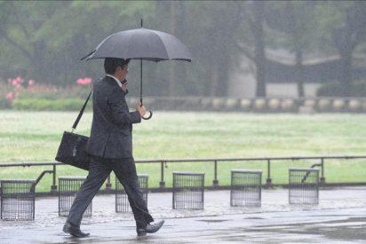 La lluvia acompañará a 6,5 millones de coches que salen de 'puente'