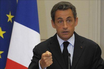 """Nicolas Sarkozy: """"Miren a España tras siete años de socialismo"""""""
