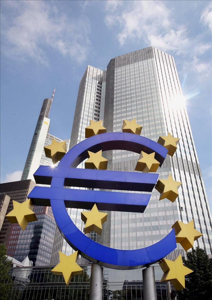 """Draghi considera que retirar los estímulos es """"prematuro"""""""