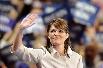 Sarah Palin se burla de sí misma en su estreno como presentadora