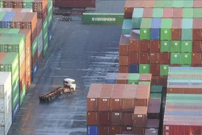 Los precios de exportación industrial caen 1 décima en febrero hasta el 2,8 por ciento