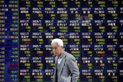 El Nikkei cae por debajo de los 10.000 puntos por el retroceso de Wall Street