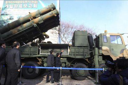 Periodistas y expertos visitan la base de lanzamiento del satélite norcoreano