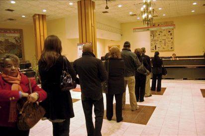 A la banca le sobran 41.000 empleados y el 35 por ciento de la red, según un estudio
