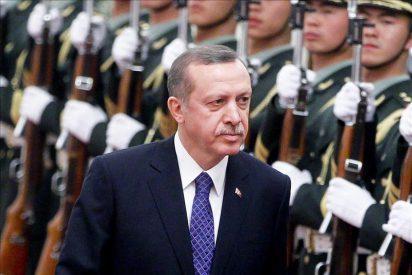 Erdogan acusa a Siria de violar la frontera turca al disparar a refugiados