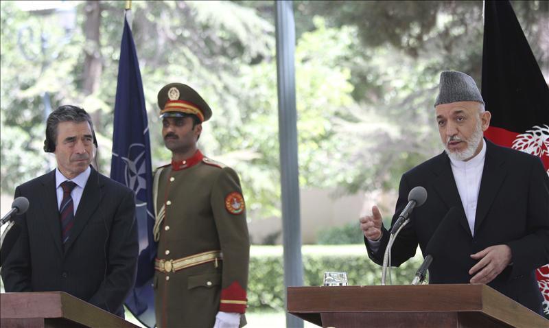 El secretario general de la OTAN viaja a Afganistán y se reunirá con Karzai