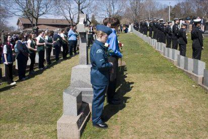 Una ceremonia en el cementerio cierra en Halifax, Canadá, la conmemoración del Titanic