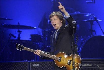 Paul McCartney inicia su gira por América del Sur cautivando a 80.000 uruguayos