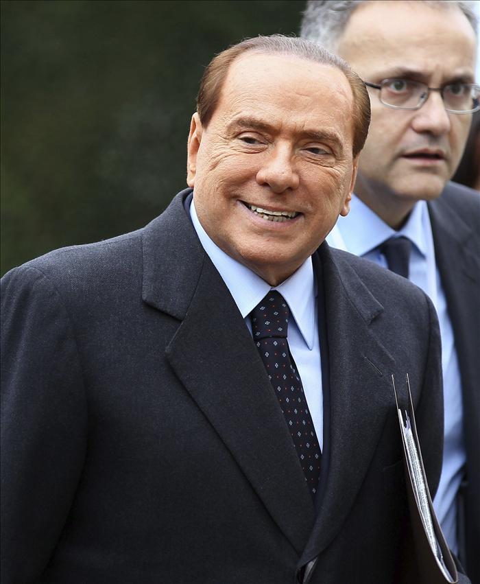 Detienen al periodista Lavitola, acusado de extorsión a Silvio Berlusconi