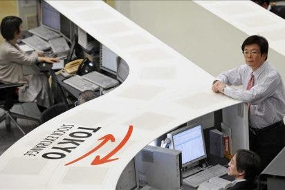 El Nikkei baja 78,88 puntos, un 0,82 por ciento, hasta los 9.588,38 puntos