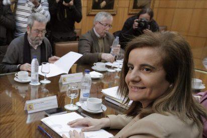 Báñez se reúne hoy con Toxo y a Méndez tras sus demandas de diálogo