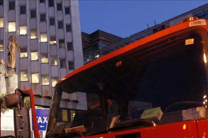 Rescatadas tres jóvenes de una vivienda incendiada en el centro de Madrid