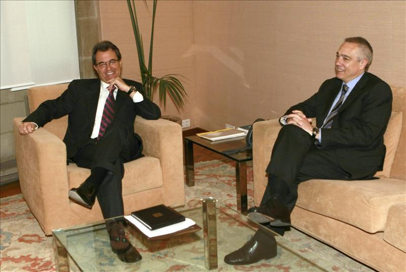 Mas impulsa la negociación del pacto fiscal con una reunión con el líder del PSC