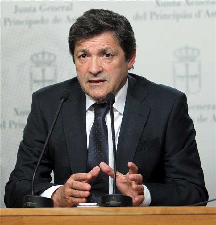 """Javier Fernández (PSOE) califica de """"insólita"""" la actitud del TSJA"""
