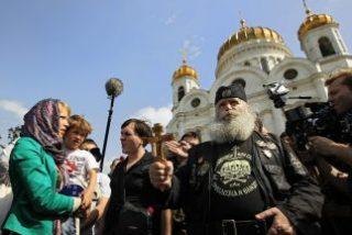 Rusia arresta a activista que quería rezar contra Putin