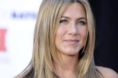 Jennifer Aniston se alegra de la boda de Brad Pitt y Angelina Jolie