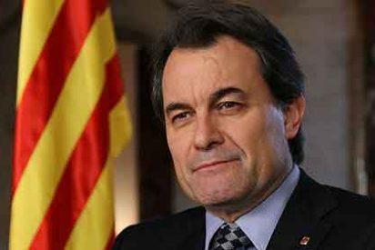 Artur Mas multa a 97 comercios por no rotular en catalán
