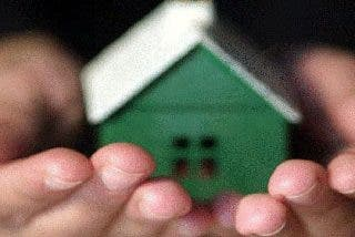 El precio de la vivienda agudiza su caída en España