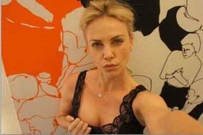Charlize Teron monta un falso vídeo porno para burlarse de los hackers