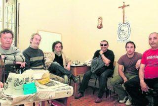Parados se encierran en una iglesia de Pamplona