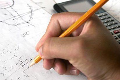 Multados con 1.440 € unos padres por el absentismo escolar de su hija
