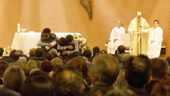 Obispo de Bilbao pide que se esclarezca la muerte de Iñigo Cabacas