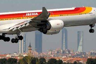 Iberia rebaja un 20% el sueldo a los pilotos en plena huelga