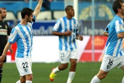 El Málaga alcanza la tercera plaza tras golear al Racing por 3-0