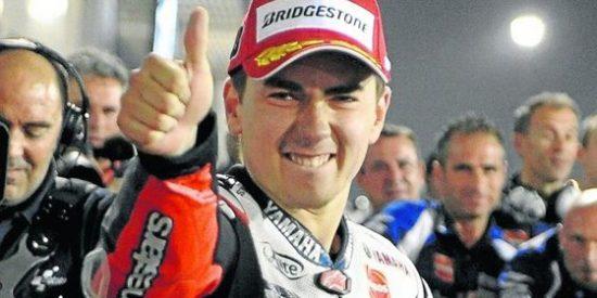 MotoGP: El piloto Jorge Lorenzo remonta a Casey Stoner y vence en Catar