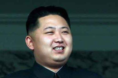 El temido cohete norcoreano se descuajeringa y cae al mar