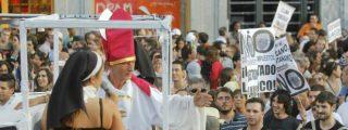 Unos 300 ateos piden el fin de los privilegios religiosos