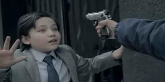 Niños 'narcos' y niños 'policías' sonrojan a México y revolucionan la Red