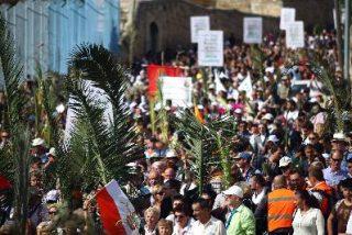 Miles de cristianos recrean la entrada de Jesús en Jerusalén