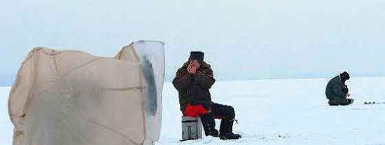 Salvan a 675 pescadores rusos que iban a la deriva en una placa de hielo