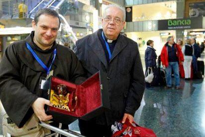 Más de 200 peregrinos valencianos parten a Tierra Santa para llevar una réplica del Santo Cáliz