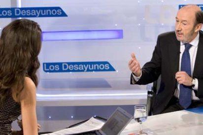 """Rubalcaba rechaza las acusaciones del PP de que están obstaculizando la renovación del presidente de RTVE: """"Dos no pactan si uno no quiere. Y yo quiero. Hay que hacer la renovación con responsabilidad"""""""