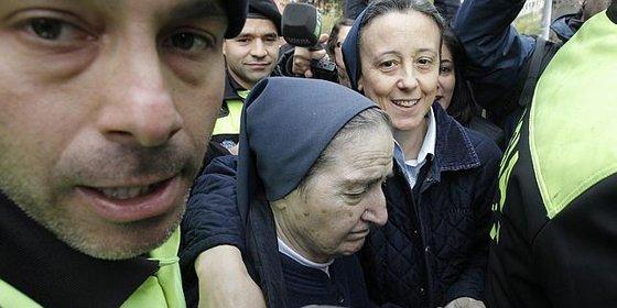 Sor María se niega a declarar y sale escoltada de los juzgados