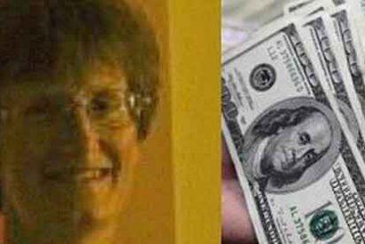 Una camarera recibe 12.000 dólares de propina